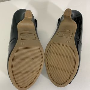 American Eagle Outfitters Shoes - American Eagle black Heels Shoes Child Size 11